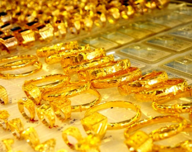 """Giá vàng lao dốc, vàng SJC bị """"thổi bay"""" hơn 1,5 triệu đồng/lượng"""