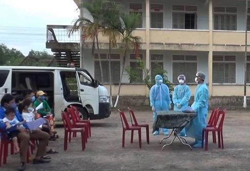 Cách ly thanh niên từ vùng có dịch về Quảng Trị có triệu chứng sốt