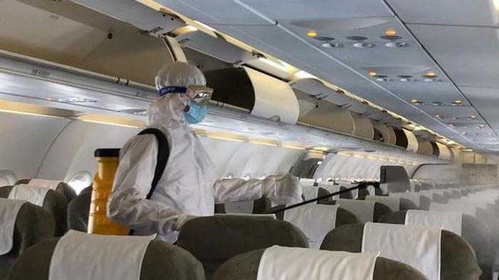 Thêm 9 ca bệnh mắc COVID-19, đều là người trở về từ nước ngoài trên nhiều chuyến bay