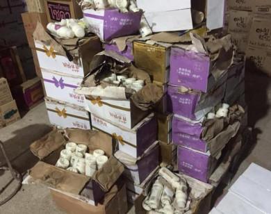 Thu giữ hơn 10.000 chai sữa chua không rõ nguồn gốc tại Hà Nội