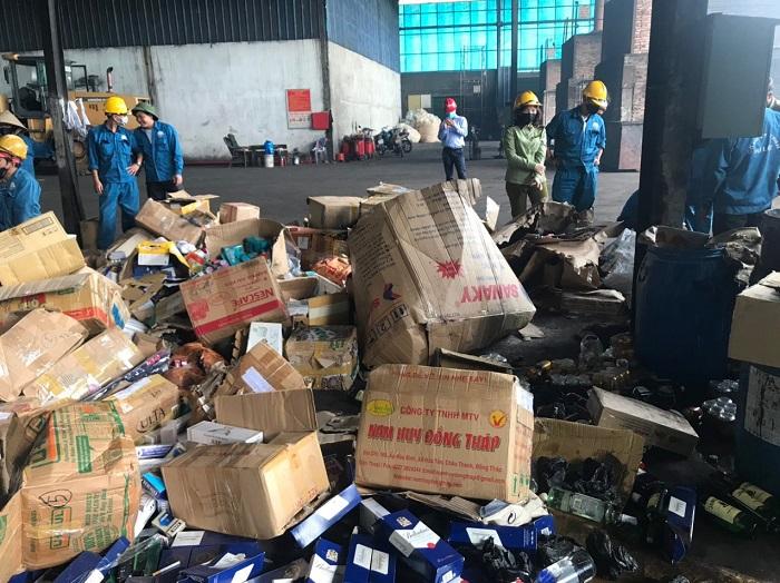 Hàng giả, hàng lậu: Nơi đang tiêu hủy, nơi tiếp tục bắt giữ
