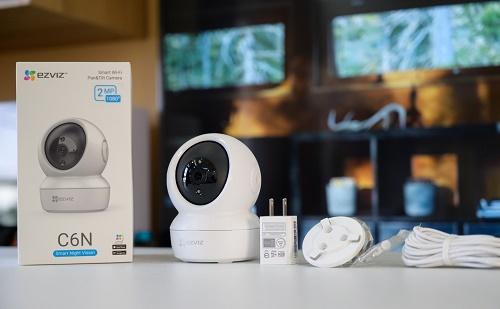Trên tay camera Wifi EZVIZ C6N rẻ nhưng đầy đủ tính năng: xoay 360 độ, đàm thoại 2 chiều, báo trộm