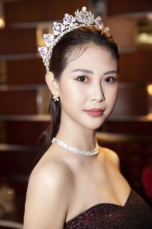 Á hậu Liên Phương đọ sắc cùng dàn người đẹp tại Chung kết Hoa khôi Du lịch Việt Nam 2020