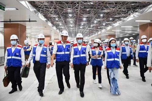 Bí thư TP.HCM tham quan tuyến metro số 1 ngay sau bế mạc họp HĐND
