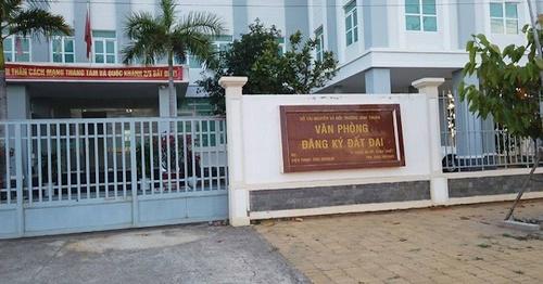 """Bình Thuận: Có dấu hiệu """"ngâm"""" hồ sơ, không cấp sổ đỏ cho người mua?"""
