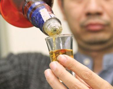 Cẩn thận với rượu giả, thực phẩm hết hạn ngày cận Tết