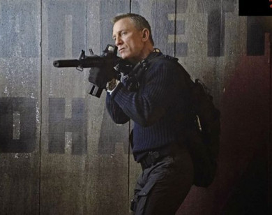 """""""Bom tấn"""" trị giá 250 triệu USD về điệp viên 007 lại bị hoãn chiếu"""