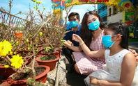 """Rộn ràng chợ hoa Xuân """"Trên bến dưới thuyền"""" ở TP HCM"""