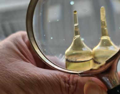 """Tiếp vụ Cancium Corbiere của Sanofi Việt Nam chứa """"vật lạ"""": Dược sĩ nói về chất lượng ống thuốc này?"""