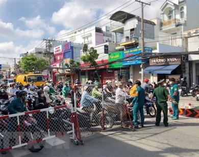 Số ca mắc tăng cao, TP Hồ Chí Minh phong toả thêm khu phố hơn 2000 dân ở Quận 8