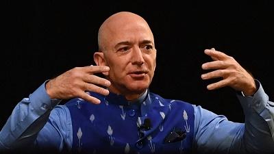 Jeff Bezos vẫn giữ vị trí là người giàu nhất thế giới