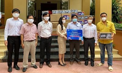 Quỹ từ thiện Kim Oanh đồng hành cùng cán bộ, phóng viên, biên tập viên bị F0