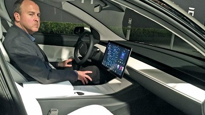 Apple bất lực nhìn lãnh đạo mảng xe chuyển sang Ford