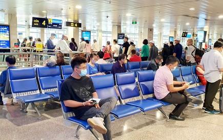 TP HCM: Giá vé máy bay cao, nhiều người vẫn phải mua để về quê