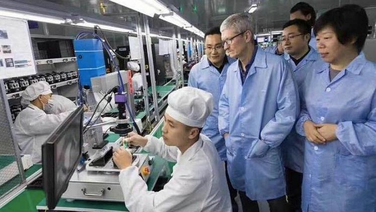 Apple được khuyên nên tự sản xuất iPhone ở Mỹ