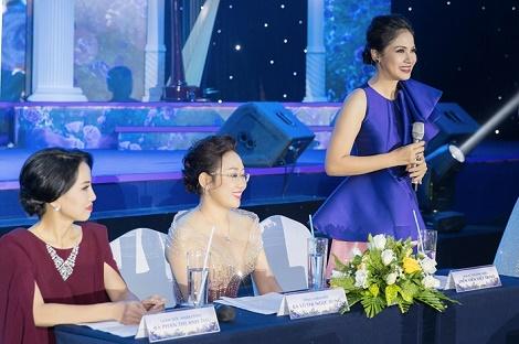 Việt Trinh, Hari Won và Hương Giang xuất hiện xinh đẹp trong sự kiện Ngọc Dung mỹ hội