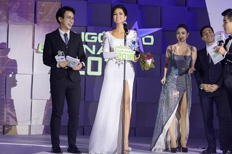 """Hoa hậu H'Hen Niê được vinh danh """"Ngôi sao vì cộng đồng"""""""
