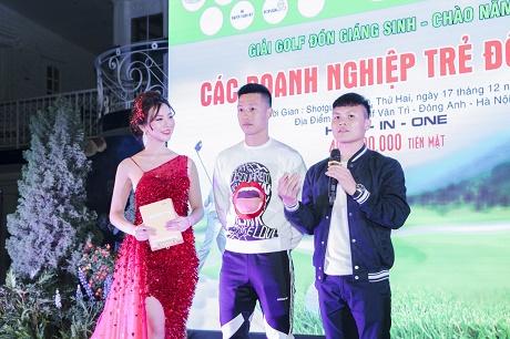 MC Hải Anh gặp gỡ Quang Hải và Huy Hùng trong giải Golf các doanh nghiệp trẻ Đông Anh