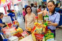 TPHCM: Nở rộ giỏ quà Tết sản phẩm hữu cơ, trái cây nhập khẩu 'độc' lạ