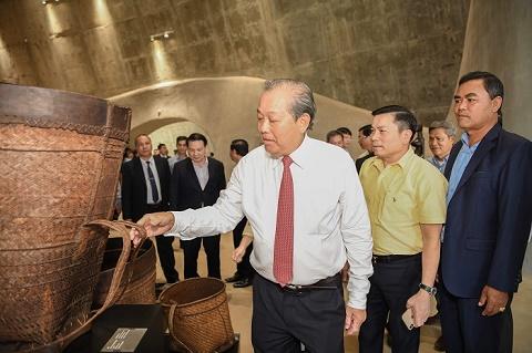 Phó Thủ tướng thường trực Trương Hòa Bình đến Bảo tàng Thế giới Cà phê