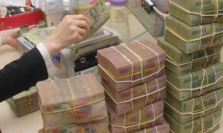 Một số ngân hàng âm thầm giảm lãi suất tiền gửi
