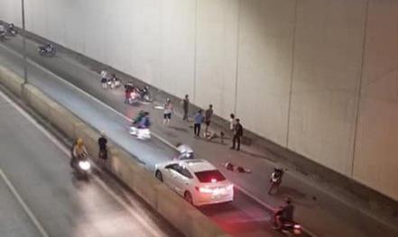 Vụ xe Mercedes tông 2 người phụ nữ tử vong: Tài xế tỏ ra lo lắng, ân hận