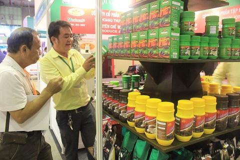 """Gian hàng giới thiệu sản phẩm cà phê, trà của Công ty Đại Hoàng Thủy tại """"Cafe show Vietnam 2019"""" thu hút khách quan tâm"""