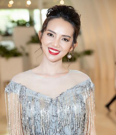 Doanh nhân Thu Trâm quyến rũ tại họp báo cuộc thi Hoa hậu Doanh Nhân Việt Kiều Toàn Cầu