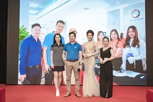 MC Hải Anh gây ấn tượng trong giải ra mắt CLB Golf Doanh Nhân Trẻ  tại Quảng Ninh