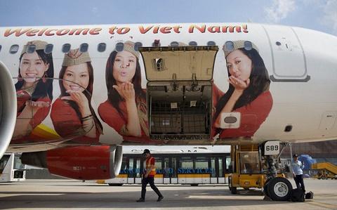 Hàng loạt hành khách Vietjet Air bức xúc vì delay, có người phải đợi hơn 10h rồi bất ngờ bị hủy chuyến, các đại lý phòng vé lên tiếng cảnh báo
