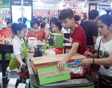 Ngày nghỉ lễ 2/9 siêu thị đông nghẹt người mua sắm