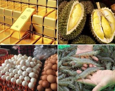 Tiêu dùng trong tuần: Giá vàng và sầu riêng giảm mạnh, trong khi giá tôm, trứng tăng